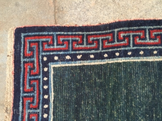 Around 1990, a pair of Tibetan carpets, s size 133 cmx70cmx2, all wool and a pair of carpet is ok to very hard