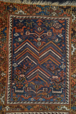 Extraordinary  Antique Khamseh Confederacy Smal rug. Size 121 x 71 centimeters. All Natural Colors