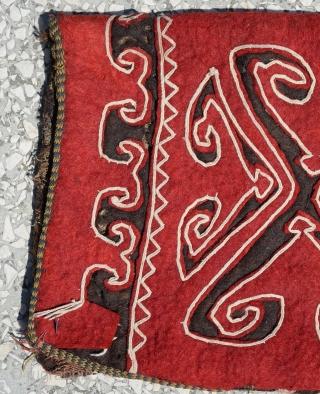 """Uzbek Felt okbash 19th cent.with horse hair tassels Circa 1900 size:70x32cm        2'4""""x1'2"""""""
