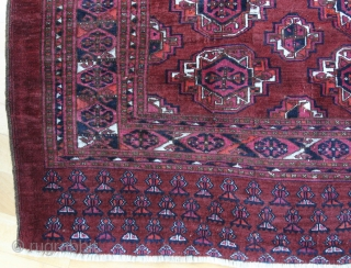 {62} SARYK Juval, 137 x 95 cm., A larger, antique chuval of this age from the Turkoman Saryk tribe, with 6 colors and in such good condition, is not very common. Handspun  ...