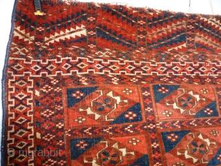 Tékké  102 x 88 good condition, good pile, missing the fringes, decor Aina gul.  Price upon request