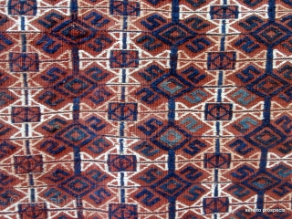 YAMOUT TURKOMAN TENT BAG FACE. This type of bag is the work of the Jaffarbi or Goklen Yamout groups who inhabit southern Turkmenistan and spill over into northern Persia. The bag is  ...