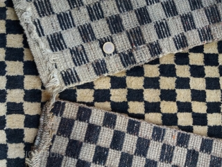Big deal! Superb old Tibetan black and white (very light and very dark brown) checkerboard rug, khaden size (163 by 86 cm), mint condition (full pile, no repairs), excellent specimen (strong structure,  ...