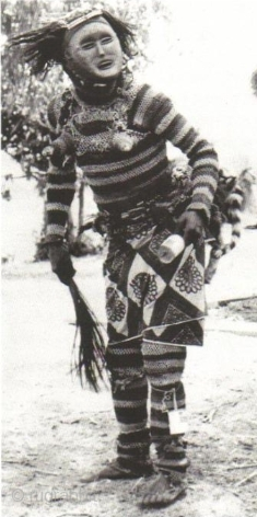 Stunning and rare Chokwe ritual full suit with wooden mask for a medicine-man, complete with two brass bangles and a circumcision knife; Angola, Central Africa, mid-20th century or maybe earlier. This interesting  ...