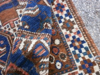 ANTIQUE SHIRAZ PERSIAN CARPET . For this carpet the knot is very fine. Good condition (look the photos) ALL WOOL -pile-warp-weft. Persian FARS region. Size is cm. 131 x 90. Has been washed.  All the best from COMO !