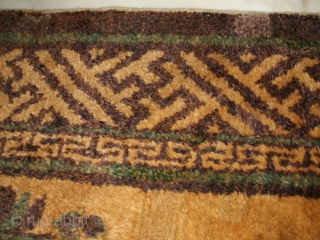 Size:  120 x 63 cm Antique Chinese carpet in very good condition; some old repairs. Original color and shiny wool. I think it's an Inner MONGOLIAN carpet. Warm regards from Lake of COMO !  Venduto in  ...