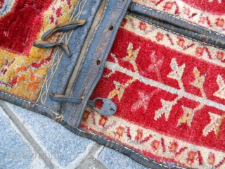 Size cm. 133 x 51 cm. An antique Anatolian SADDLEBAG. A think of Melas region. Good condition. All original. Other photos on request. Good look!