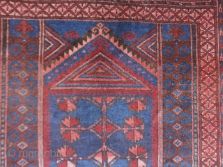 Baluch old in conditions perfect. Size 144x88 cm.  Wool on wool. Shiny and luxtrous pile. Original design and extra fine knot. More photos and info on request. I think is a Belouch tribe knotted in the village  ...