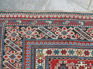 TCHI-TCHI border kurdangol in perfect condition. Any problems or damages for this antique CHI CHI KUBA CAUCASUS. The size is:  m. 2.66 x 1.33, great size, knot and quality for this carpet. More pictures  ...