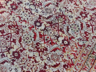 Agra carpet antique. Very good condition. Palace size for