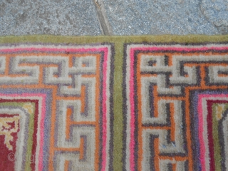 A little runner from Xinjiang, East Turkestan, Oasi of KHOTAN. This antique SAMARKAND is in perfect condition (like new). Original piece for Buddhist Monastery. Size is  307 x 66 cm. More pictures or info on  ...