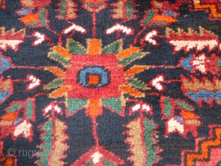 Kermanshad runner Kordi in very good condition. All wool and great colors for this runner. Full pile with only 3/4 little old restors. Size  cm. 322 x 105 cm. Washed and read for use. More info  ...