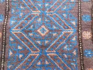 99 x 68  cm Old AFGHAN Belouch Balisht In very, very good condition. Wool on wool. Carpet and kilim reverse. Shiny wool and beautiful colors for this carpet.