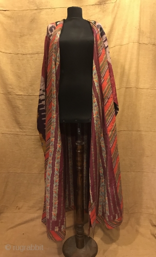 Uzbek Vintage silk ikat chapan clothes  Size  Height : 140 cm Under arm : 70 cm Shoulder size : 60 cm  Fast shipping worldwide   Thank you visiting for my shop :)