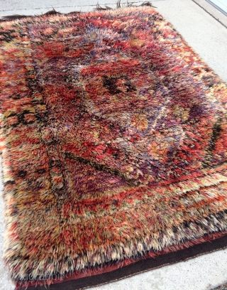 Funky Turkish Filikli Vintage Angora Tulu Yatak rug from Konya - 4'10 x 6'11 - 147 x 211 cm.  Pile so think that it is hard to see the pattern on  ...