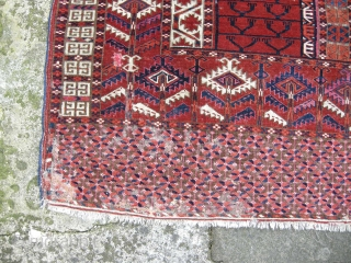 A good 19th century Tekke ensie. Lovely ground colour some traces of a cochineal or lac colour, generally good condition except some light damage to the skirt as seen. Will clean well.  ...