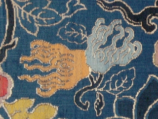 A large strip of gold brocaded silk, probably curtain fabric. Early Qing, second half 17th century. Mint condition with one selvage. This is probably a remainder that has never been used and  ...