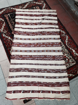 A nice Morocco Berber Woman Handira ! with Coton and Wool highlights ( knoted )  Early 20th , Size : 192x96cm