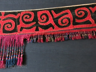 """Kirgiz tribal yurt hanging. Applique embroidery on velvet with silk tassels. Circa 1900 or earlier. size: 80"""" X 6"""" and 7"""" long tassels. - 200 cm X 15 cm - 18 cm."""