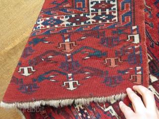 """Turkmen Yomud chuval. Symmetrical knots. Size: 29"""" x 44"""" - 73 cm x 111 cm."""