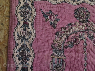 """Anatolian - Tokat block print quilted praying mat. It has some damages as can be seen on close up images. Size: 33"""" x 53"""" - 85 cm x 135 cm."""