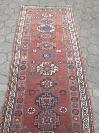 Antique Persian Bidjar Gerrus long rug with Memling gul design, wool foundation. Age: 19th century, size: 335x105cm / 11ft x 3'4''ft Good condition, barber pole missing at both ends.