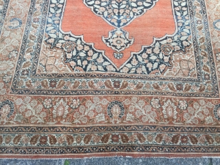 Fine antique Persian Tabriz Haji Jalili rug, size: ca. 175x125cm / 5'8''ft x 4'1''ft Age: 19th century. Some light wear in the field, www.najib.de