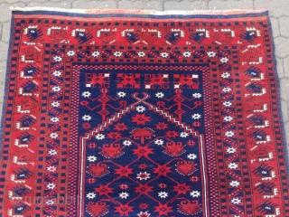Antique Anatolian Yagcibedir prayer rug, beautiful drawing. Size: 156x128cm / 5'1''ft x 4'2''ft