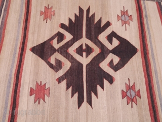 Massive mirror like couple of Elibelindes (the biggest we have ever seen!) in this beautiful Konya kilim, with lots of undyed wool and nice shinny wool and in perfect condition. 350x128 cms  ...