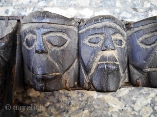 An extremelly rare (and spooky!) Nagaland head hunters belt made with light weight wood, plant fibre and hair. The faces, each one different, are terrifying... A very collectable piece of great ethnographic  ...