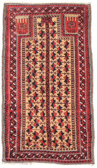 An unusual Persian Baluch prayer rug. Within the hand, a gül with an eight pointed star and a goat have been woven. Soft and shinny wool, with full pile, in mint condition,  ...