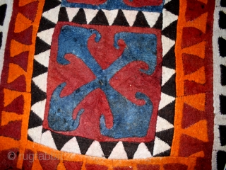 """Felt """" Shyrdak""""cod. 0474. One of the items just posted on my new website www.nonplusultra.cloud. Wool. kirghizistan. Early 20th. century or before. Very good condition. Cm. 137 x 322 (4'6"""" x 10'7"""").  ..."""