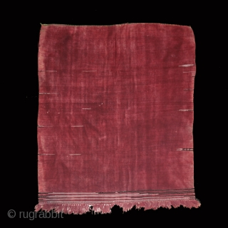 """Women's shawl """"ajar"""" cod. 0403. Wool, cotton natural dyes. Berber people. Matmata area. Tunisia. Early/mid. 20th. century. Size cm. 143 x 128 (56 x 50 inches). Missing threads, small holes."""