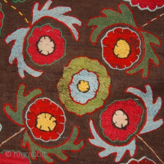 """Kungrad teckhe cod. 0079. Early 20th. century. Dimension cm. 70 x 65 (28"""" x 26""""). Very good condition. Lined with a cotton textile and mounted on a wooden stretcher. One of the  ..."""