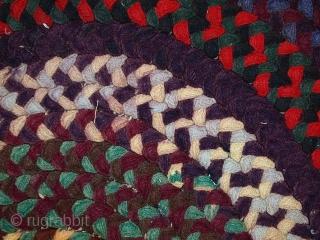 #1C488  Handmade antique American braided rug 2.4' x 3.1' ( 74cm x 95cm ) C.1920s