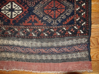 #1B326 Hand made antique collectible Afghan Baluch rug 2.7' x 2.10' ( 82cm x 89cm) C.1900, some fuchsine.