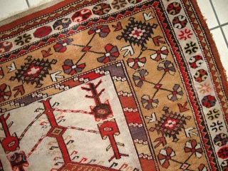 #1C316  Handmade antique prayer Turkish Melas rug 4' x 6.3' ( 123cm x 192cm) 1920.C