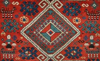 Small antique Kazak area rug. 129 x 105cm.