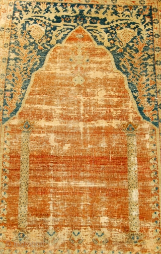 West anatolian prayer rug in the classic tradition. Circa 1800. 193 x 130cm.