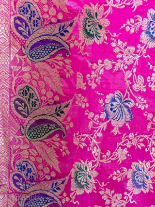 Vintage wedding  Banarasi saree  made in Varanasi India and worn by the royal family's in India this sari has two different kind of borders with very colourful flowers design to  ...