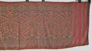 Cambodian textiles  Cambodia 002 (280cm x 88cm - 110in x 34,5in) large naga, good condition, color very good, small damages, age late 19th century.