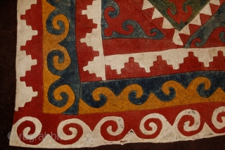 Can you feel the wind of the Steppes on your face? 'Shyrdak', kyrgiz main felt carpet of the yurt, 19th century, 400x235 cm. Wonderful organic colors, huge scale of ancient symbols ....  ...