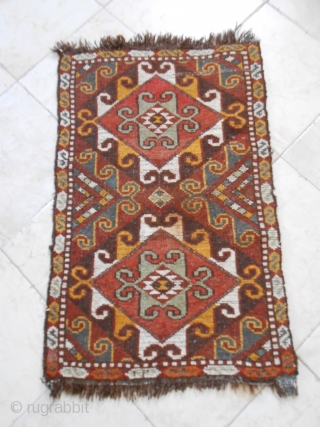 Uzbek napramach, first half 20th c. 81 x 54 cm, wool, 600 knots per dms.