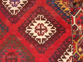 Kirghizistan, last quarter XIX c. cm 241 x 232, wool on wool. Three lines of knots missed at lower end. Beautiful border, rare item! Thanks for watching!