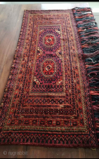 An antique Turkmen with small silk highlights. 109/43 cm. Very good shape.