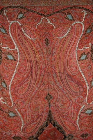 EXceptional Indian Hand Embroidered pieced shawl, Beautiful colour, very fnie embroidery, the center has been changed, Its a long shawl, more than 3 meteres.