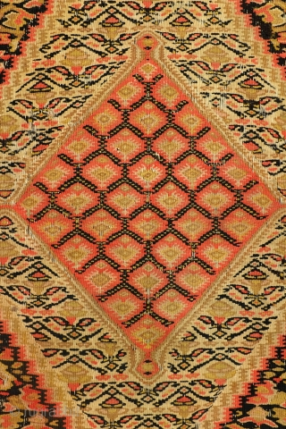 Fine kilim Senneh, Sanandaj, 1880, 120 x 200 cm. 4 ft. x 6.6 ft. 