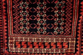 Yagdcibedir, Anatolia, 19th century.  Rare square size of 100 x 103 cm. 3.3 ft. x 3.3 ft.  Nice pile.   Rob Schipper, www.tablesXL.com