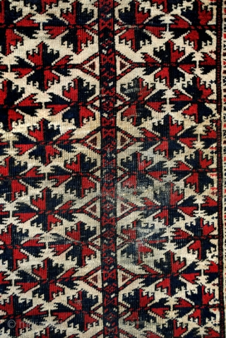 Old Beloudj prayer rug.  begin 20th century.  140 x 55 Cm.  Wool on wool.