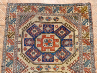 Eastern Anatolian 'Crevelli' designed carpet, 196 x 132 cm. (6.4 x 4.3 ft.) Kars Kurdish, around 1920/30.
